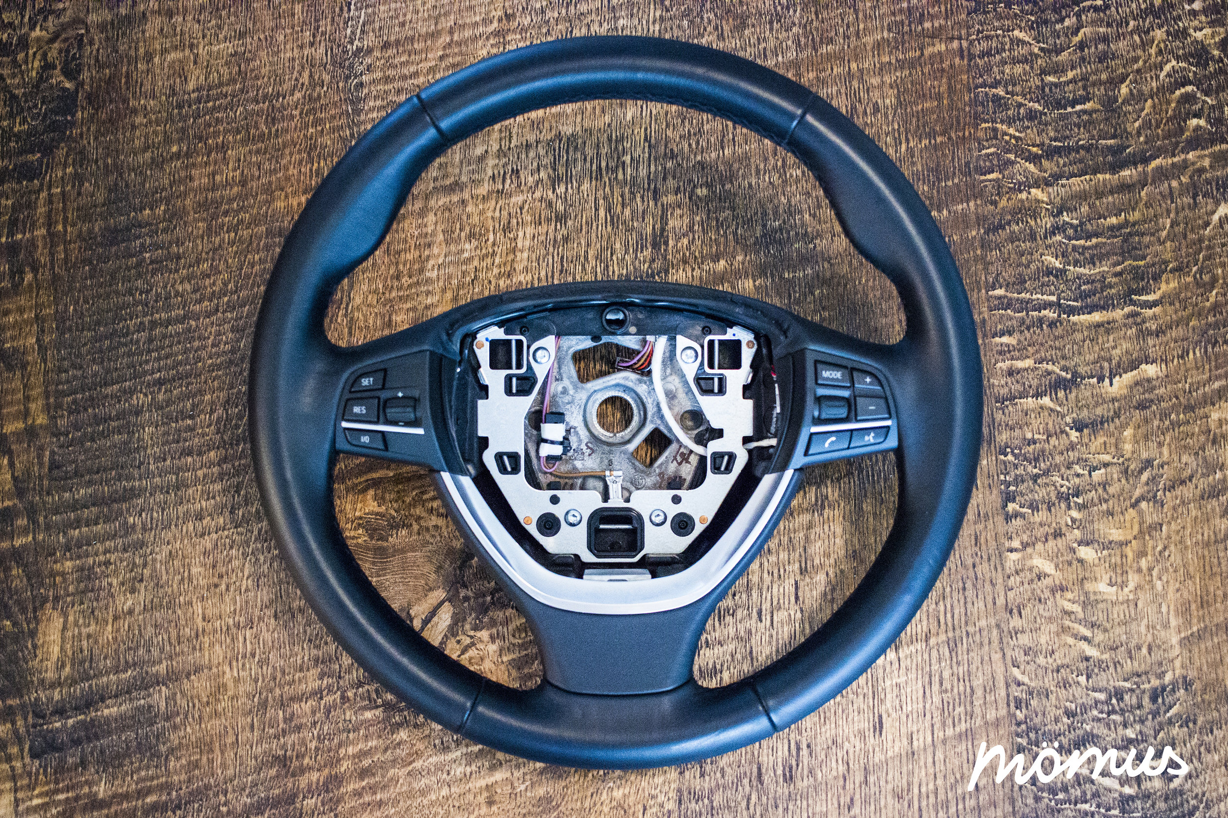 BMW F01 Steering Wheel Small.jpg