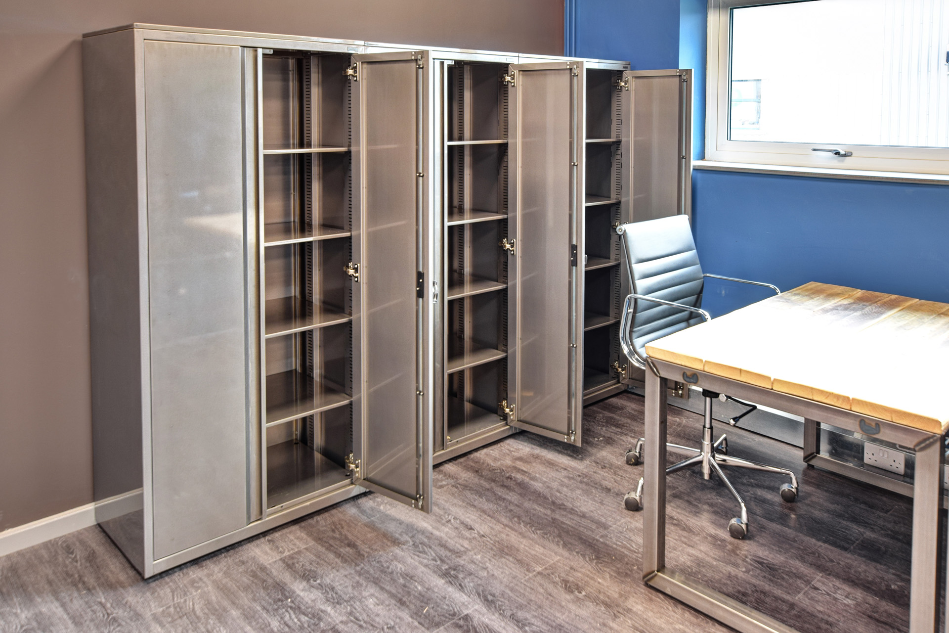 Flexiform's Ferro Style Desks and Storage