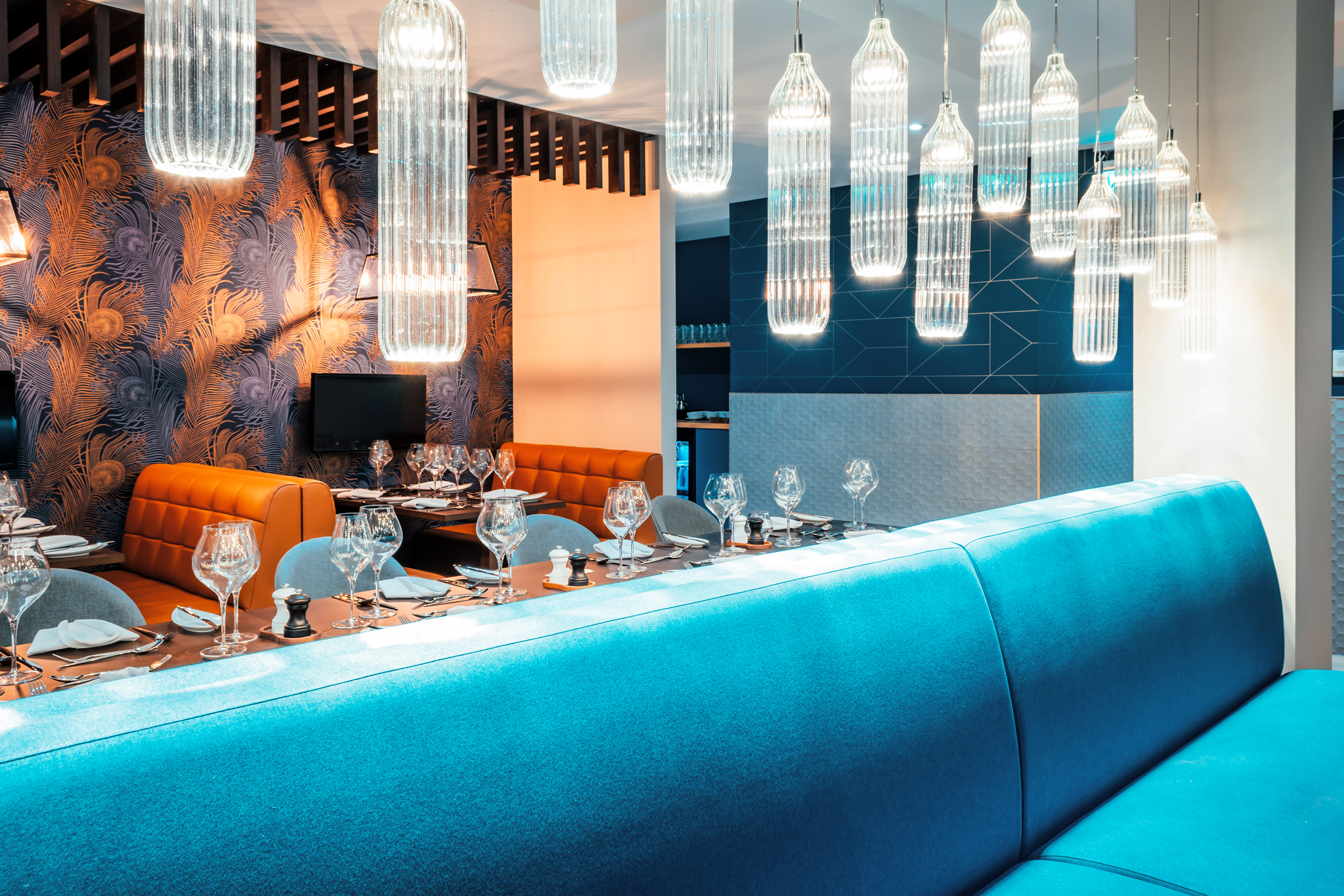 Restaurant Colour Scheme Affects Ambience