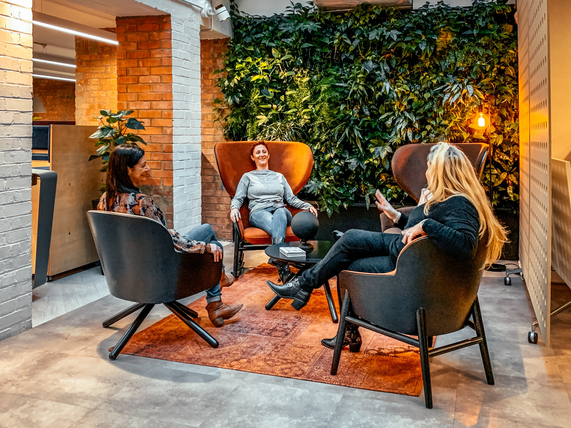 How Does Furniture Affect Performance in the Workplace? | Absolute Commercial Interiors