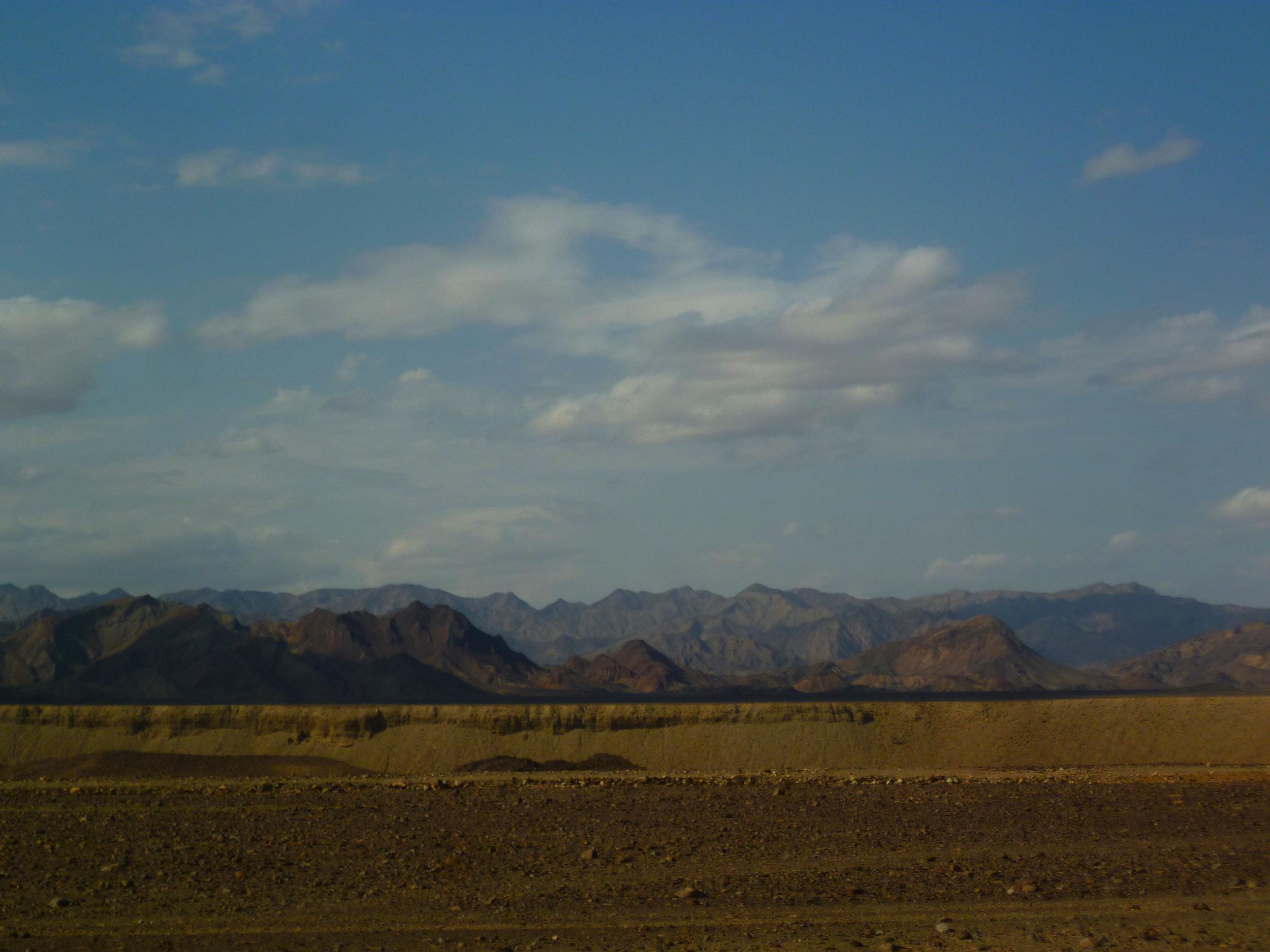 Getting dustier as we get closer to Mek'ele...