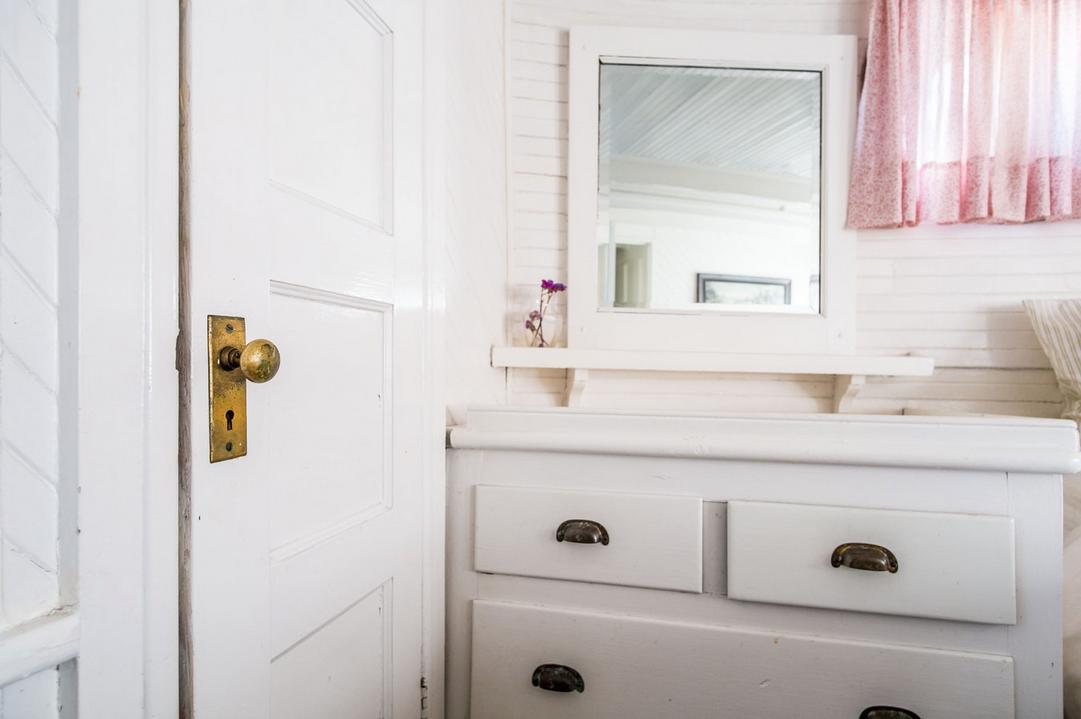 Bathroom Drawers and Doors