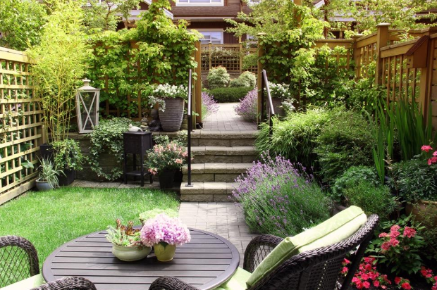 Guest Post - Less is More: Simple and Affordable Ways to Make Your Backyard More Inviting | House to Home Organizing