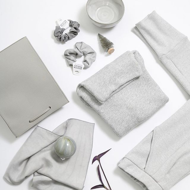 It's gift giving time. Here's a few picks for the neutrals person in your life @nataliebusby and @honor_of.