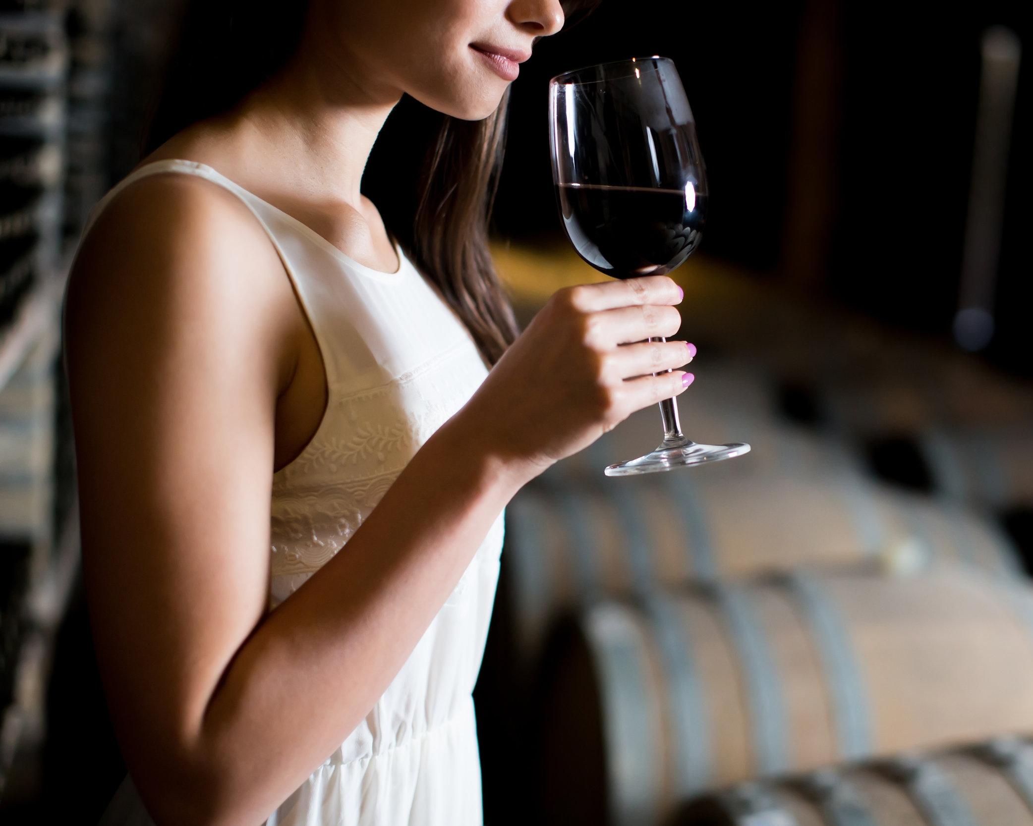 Daniel_Island_Wine_Bar_Wine_Tasting.jpeg