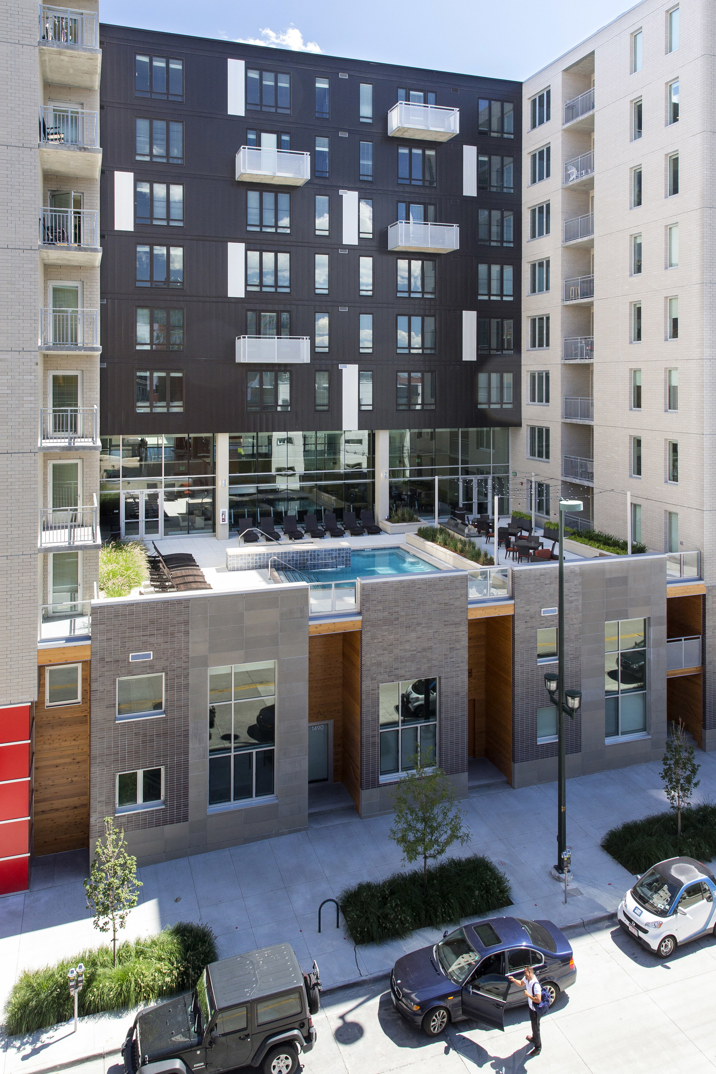 """<img src="""" studioINSITE_The_Verve_Denver""""alt=""""Urban Living, Multifamily Courtyard, Amenity Deck, Fire Pit, Grill Area, Shade Structure, Outdoor Garden, Landscape Architecture, Luxury Living, the Douglas, Denver, CO, Colorado Courtyards, Amenity Spaces, Great Courtyard Designs"""" title=""""The Verve""""/>"""