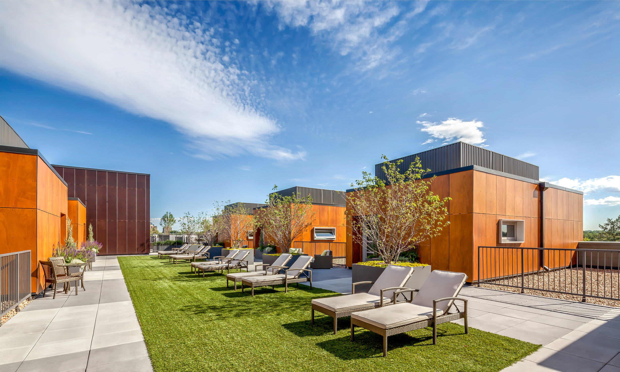"""<img src="""" studioINSITE_My_Block_Wash_Park_Penthouse_Roof_Deck """"alt=""""Urban Living, Multifamily Courtyards, Amenity Deck, Swimming Pool, Spa, Landscape Architecture, Luxury Living, My Block Wash Park, Denver, CO, Colorado Courtyards, Rooftop Amenity  """" title=""""My Block Wash Park  """"/>"""