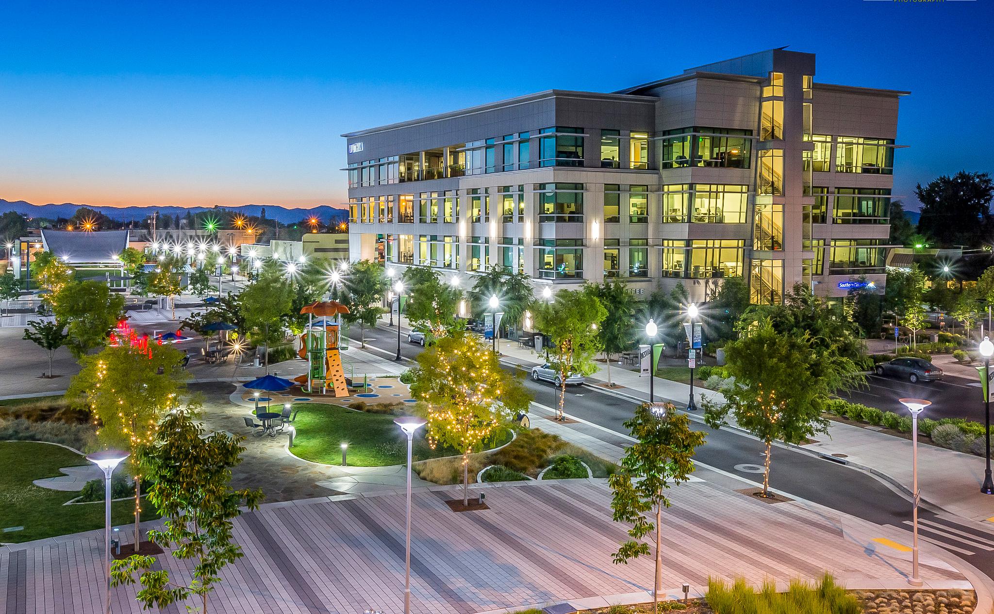 <f>Services</f><f>UrbanDesign</f><f>Services</f><f>LandscapeArchitecture</f></f><f>Markets</f><f>Community</f><t>Commons Park Blocks</t><m>Medford, OR</m>