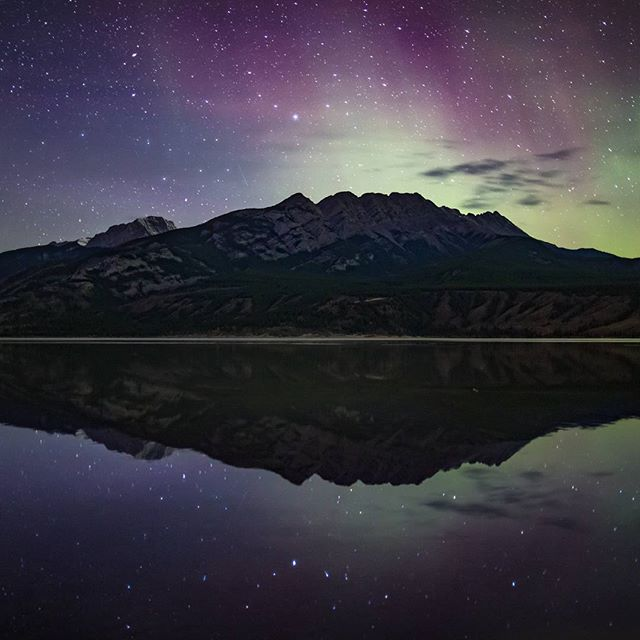 Reflecting on 2016 and looking forward to the next year ahead! . . .  #darkskyphotography #myjasper #nationalpark #parkscanada #canada #travel #outdooradventure #naturelovers #naturephotography #beautifuldestinations #exploretocreate #welltravelled #thegreatoutdoors