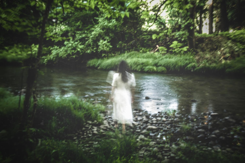 02-earthly-witch-fine-art-photography-anna-sirota_002.jpg