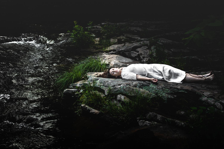 04-earthly-witch-fine-art-photography-anna-sirota_004.jpg