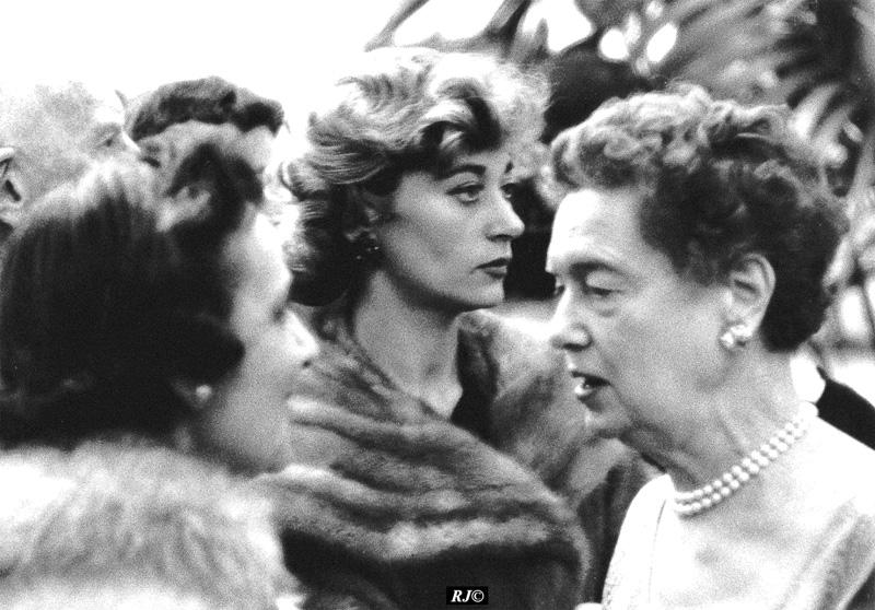 Three women, Metropolitan Museum, 1958