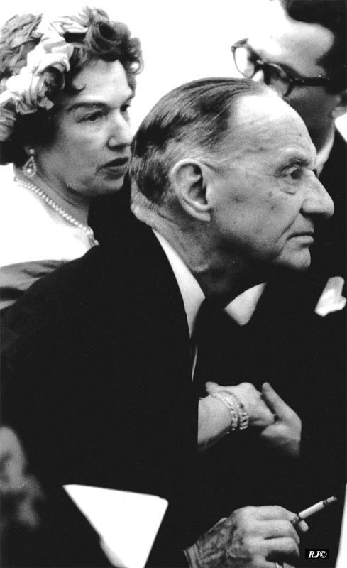 Kenneth Clark observing, Metropolitan Museum, 1958