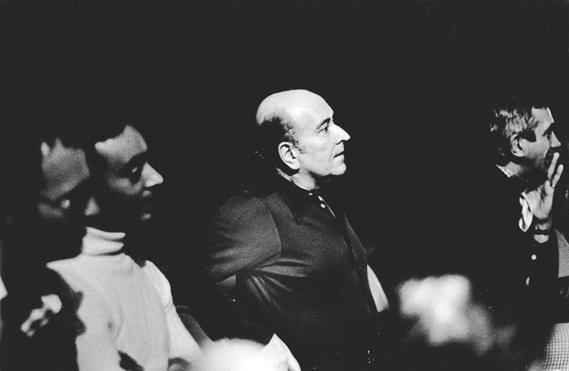Jacques Sigurd watching Timbuktu rehearsal, 1977