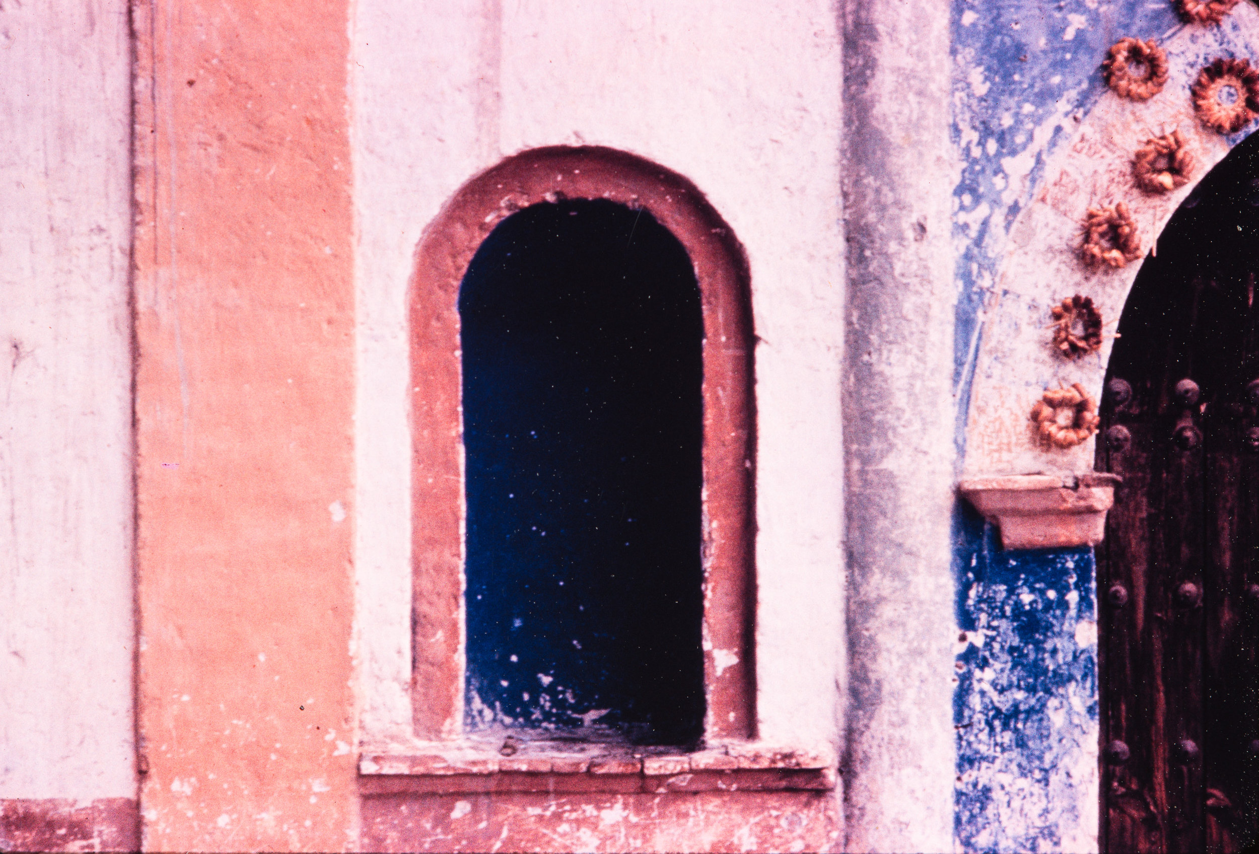 Pink and purple archway, Mexico, 1957