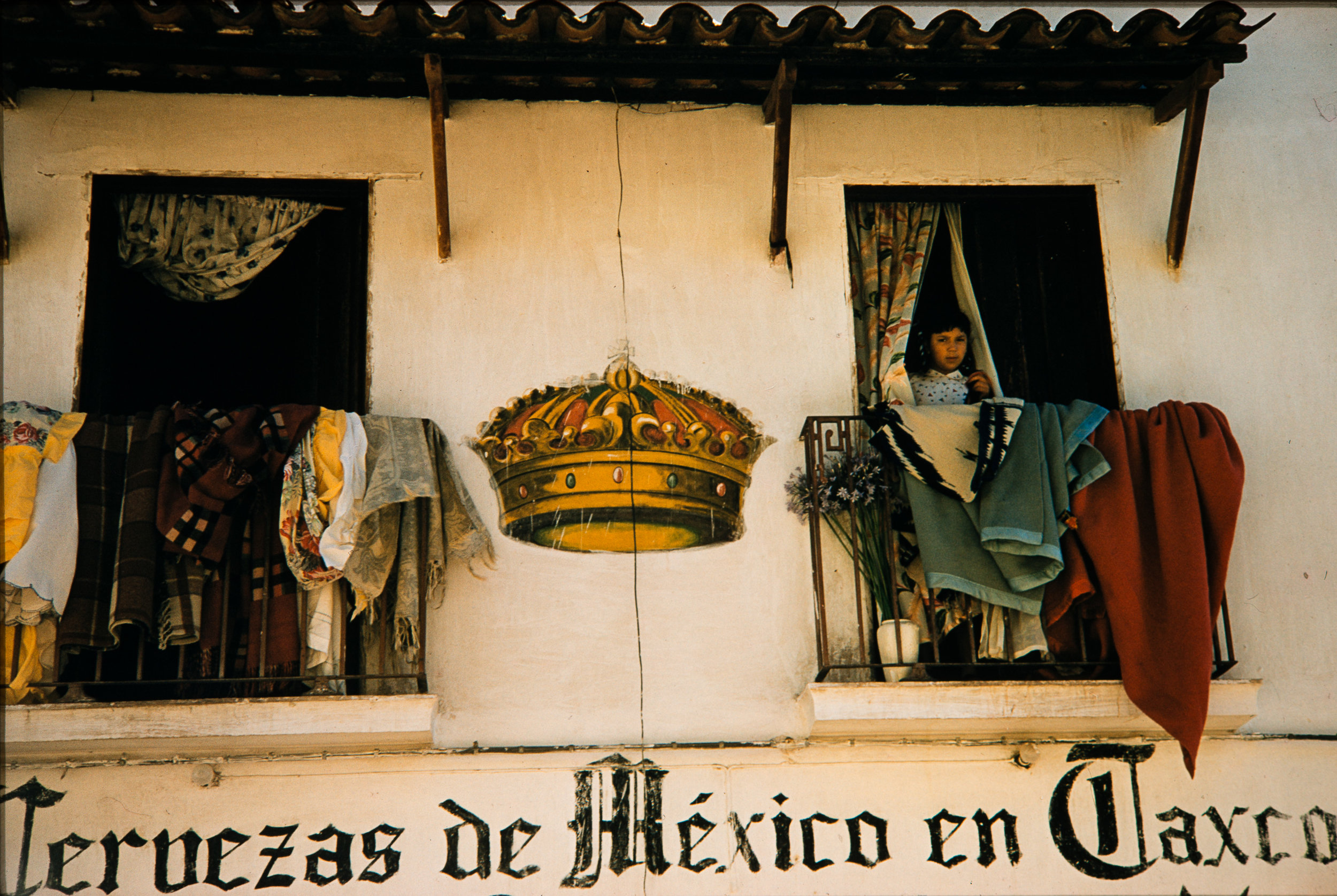 Crown between two windows, Mexico, 1957
