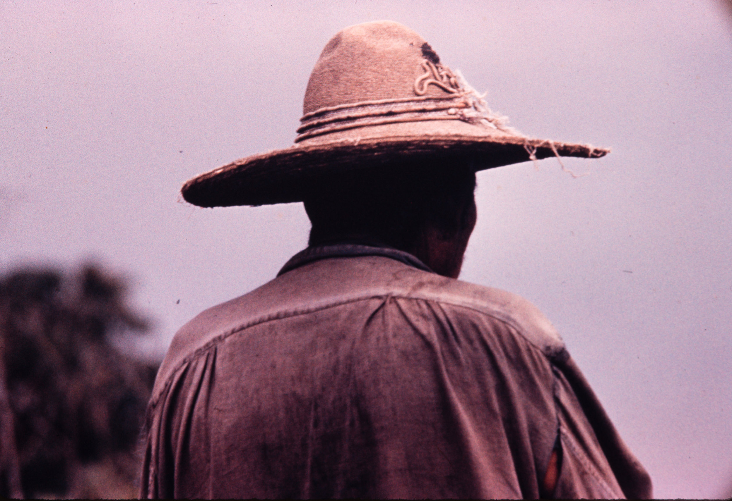 Man with hat from behind, Mexico, 1957