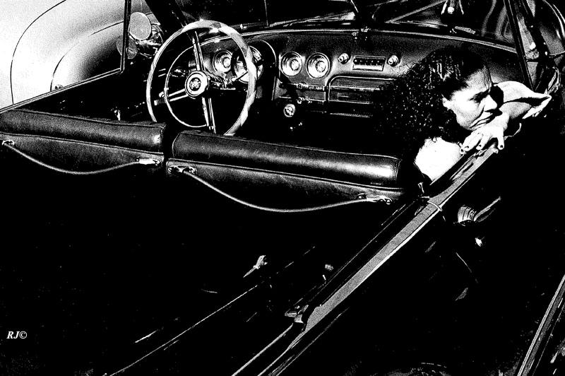 Women in convertible, Harlem, 1952