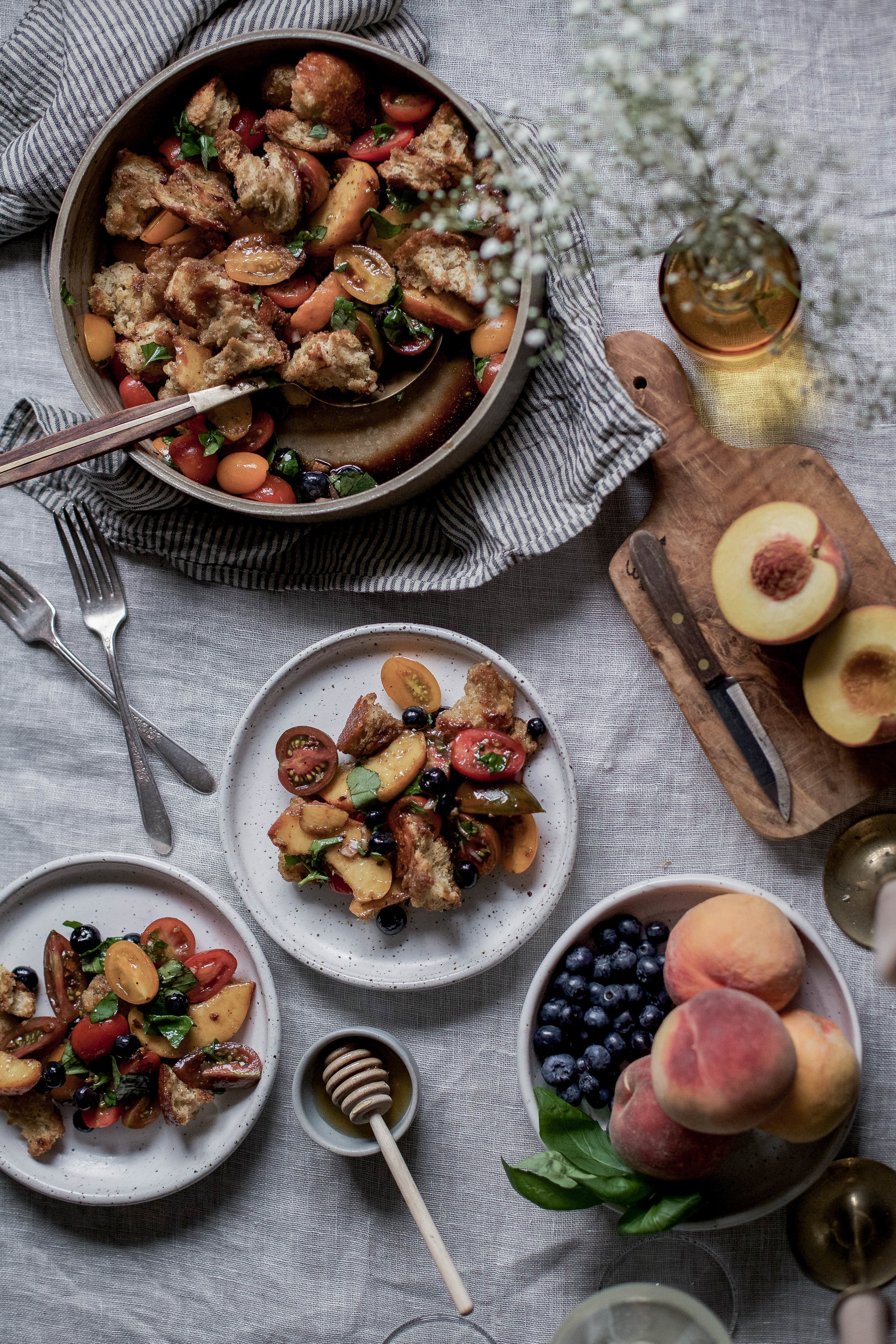 double crisped sourdough panzanella salad with peaches and blueberries-24.jpg