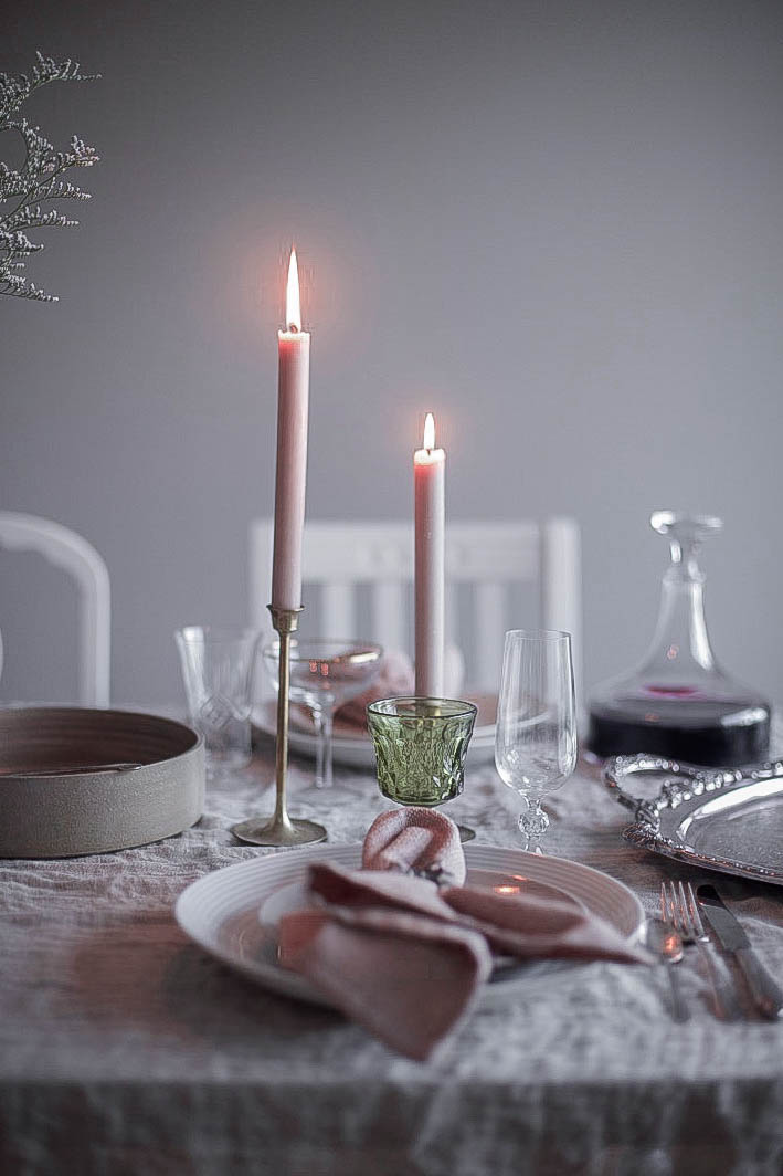 5 holiday table setting tips