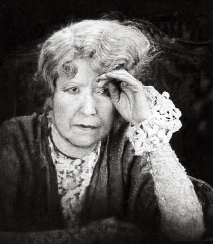 SARAH BERNHARDT (MME. DES FRANCS)