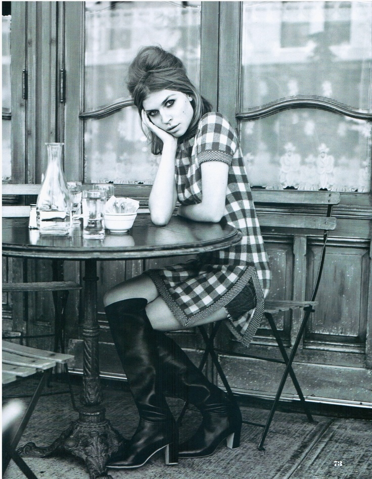 GIRLS LIKE THIS - SITTING IN CAFES