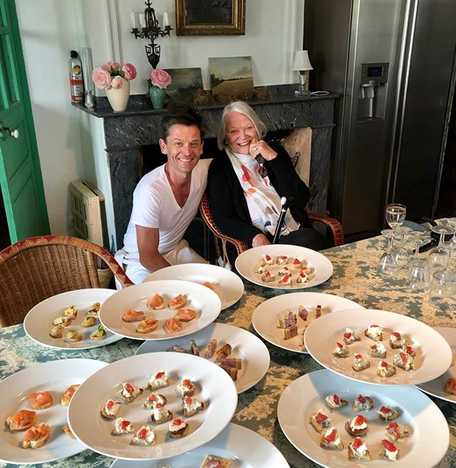 Cocktails. For Oscar. Thank you Daniel, saved the day, last minute for 22 people. Not much in the fridge. @danieldelafalaise #louisefletcher #cocktails #academyaward #happybirthday #oscarsthirtieth  #nothinginthefridge #frenchcocktails #frenchcountryside #chateau #cuisinefrancais