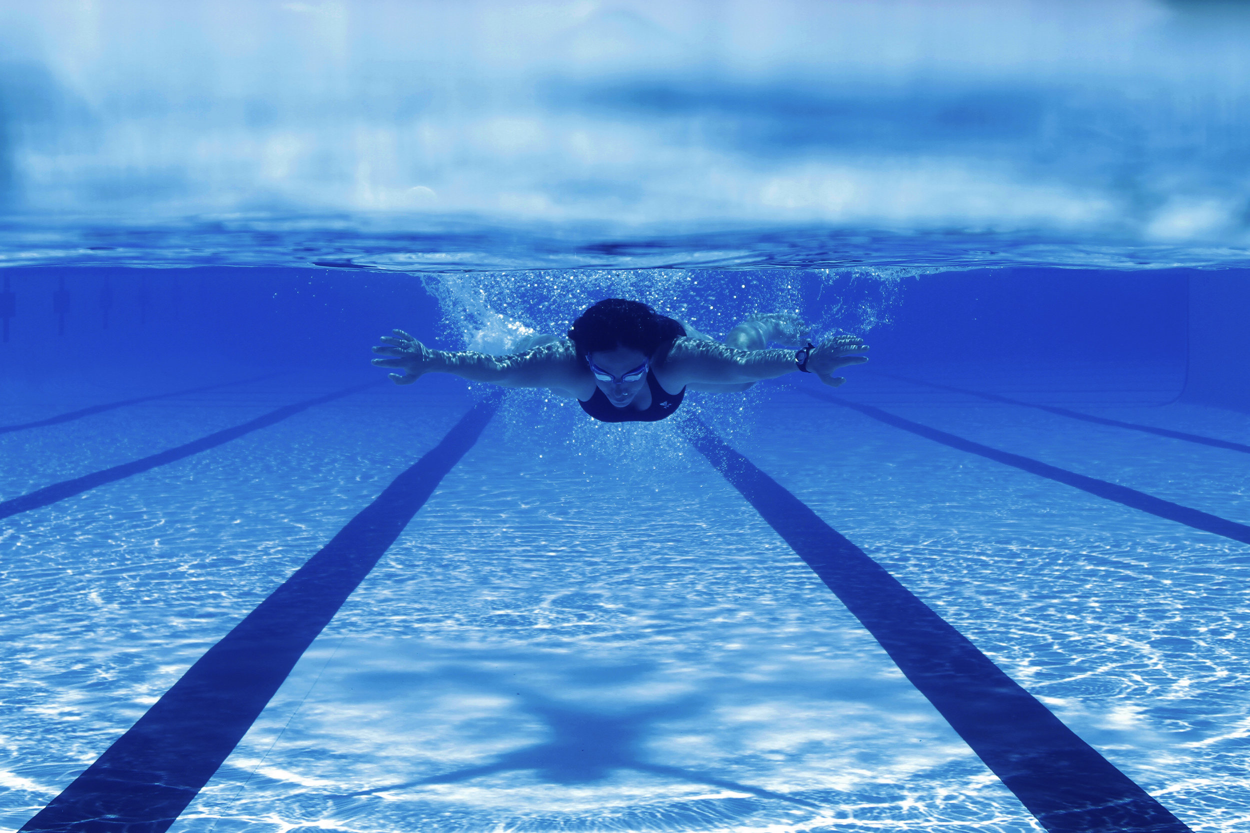 Gia Branciforte swims laps at the Kessing Outdoor Pool    UNC Chapel Hill