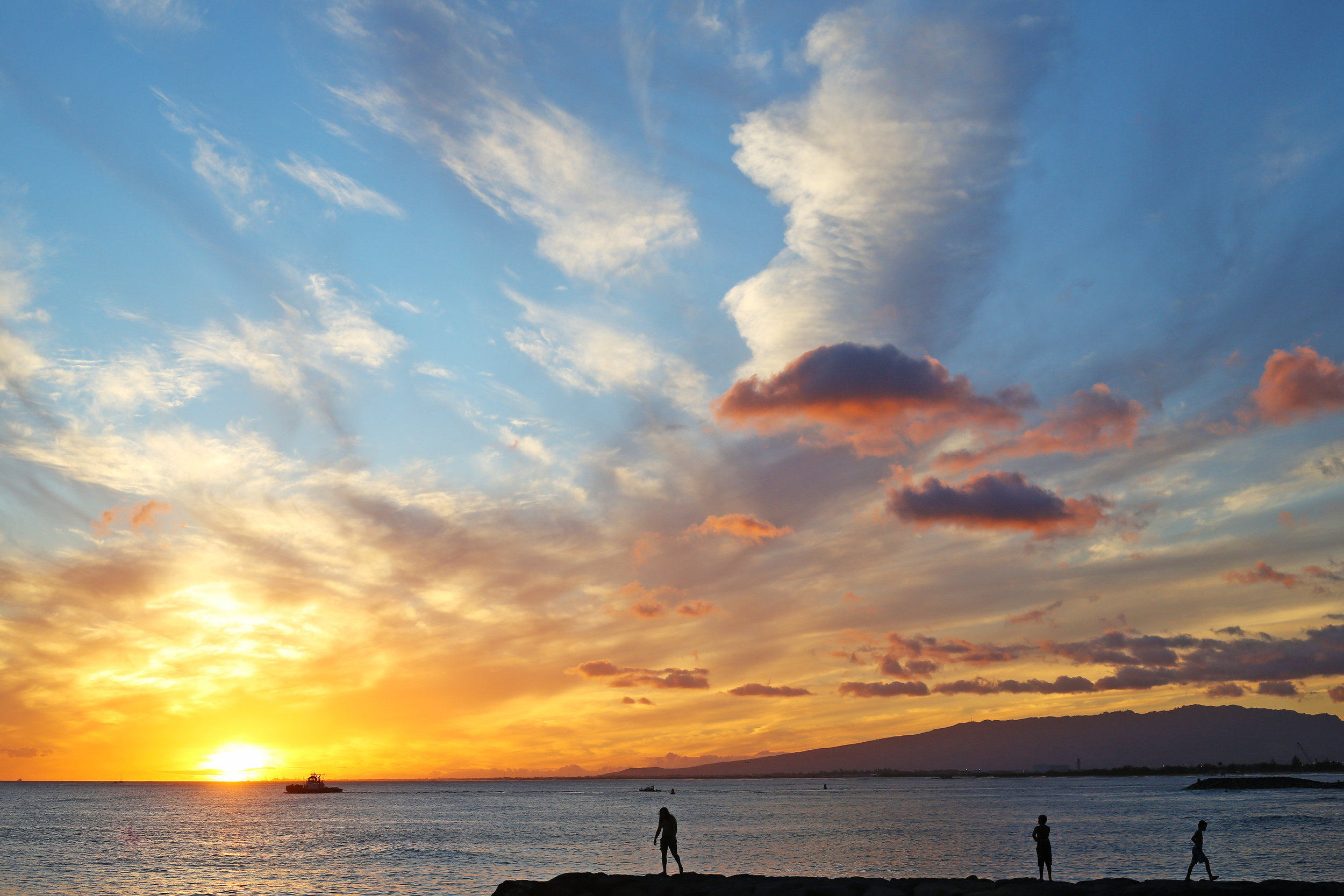 Catching the sunset from Ala Moana Beach Park on the final evening in Honolulu.