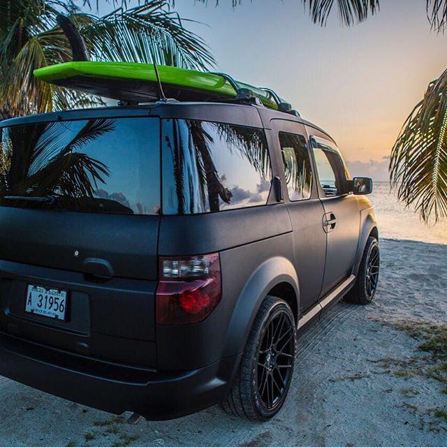 Enjoy summertime! #turtlesantigua #antigua #sup #beach #sunset #element #fanaticsup #gopro #turtlessurfshop #trtl #wanderlust #ocean #travel #summer @skenehowie