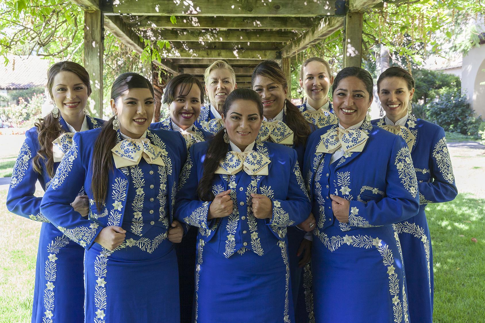2016.07 - Mariachi Femenil Orgullo Mexicano 002_edited.jpg