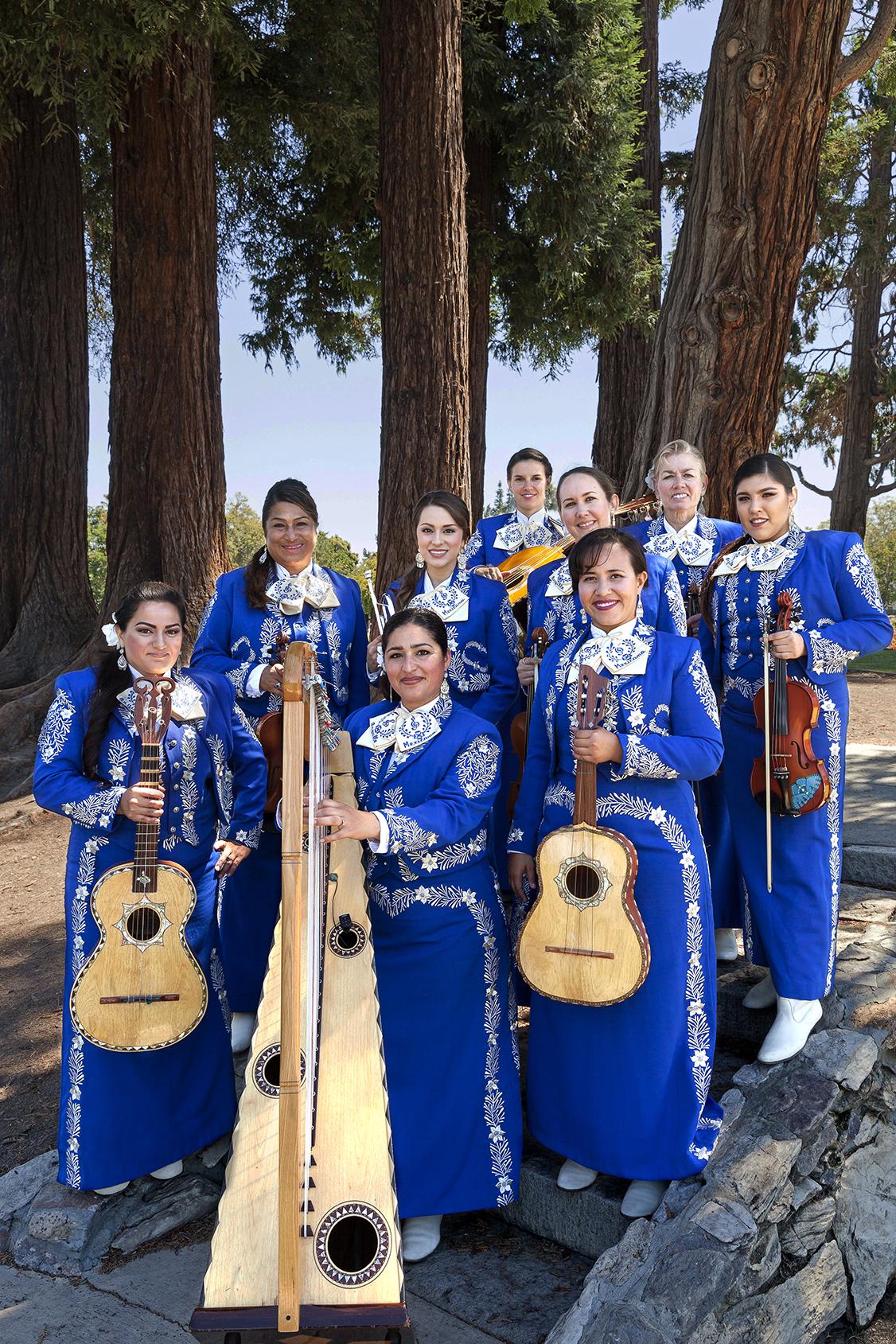 2016.07 - Mariachi Femenil Orgullo Mexicano 048_edited.jpg