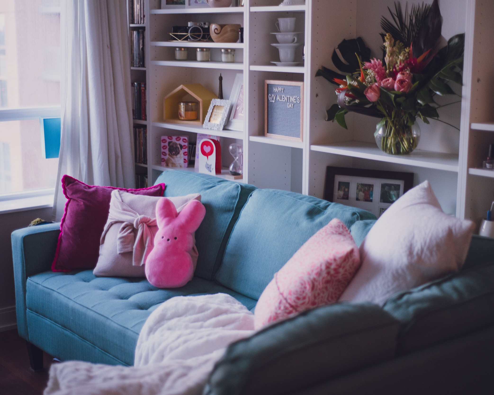 lily-muffins-valentine-living-room-ideas