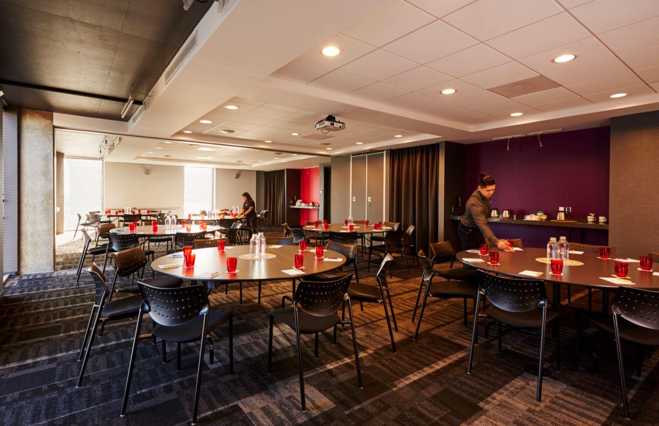 The Alt's beautiful Violet-Fushia meeting room