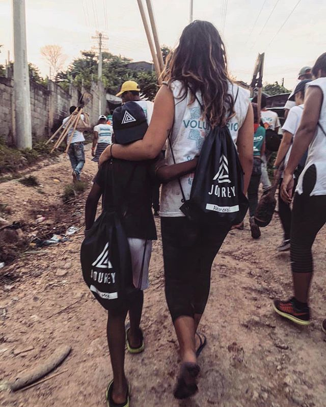 Be human. 🌎 . . . . Repost: @ale.lujah  Colombia, Oct. 2017 . . . #travelwithpurpose #bethechange #compassioninternational #dosomething #actionsmatter #giveback #exploremore #loveoutdoors #rippleeffect