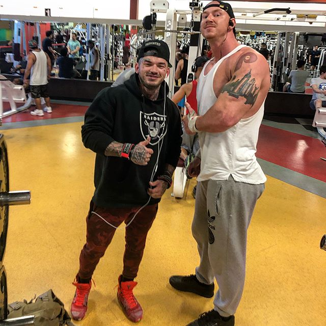Met up with @devinphysique today for the first time since I saw him in 2015. Its awesome to see the progress since then! We both made some serious gains since 2015. Devin is a really cool dude in person. Welcome to vegas bro I'm sure i'll be seeing you around more! #OutAngleEveryone #NooneIsSafe