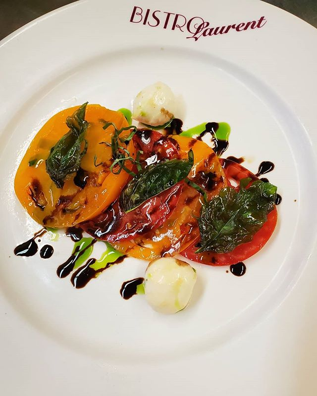 Heirloom tomato season is here!!!!! • • #finally #tomatoseason #heirloomtomatoes #blbrasserie #basil