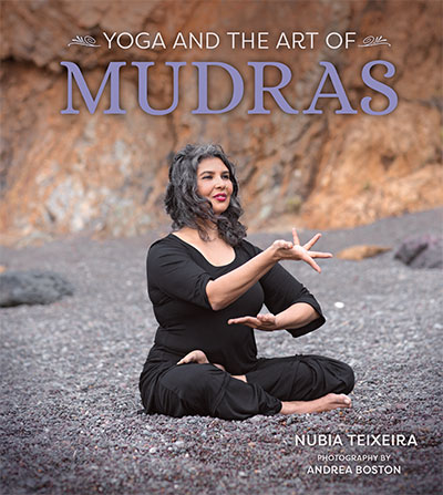 yoga-and-art-of-mudra-cover.jpg