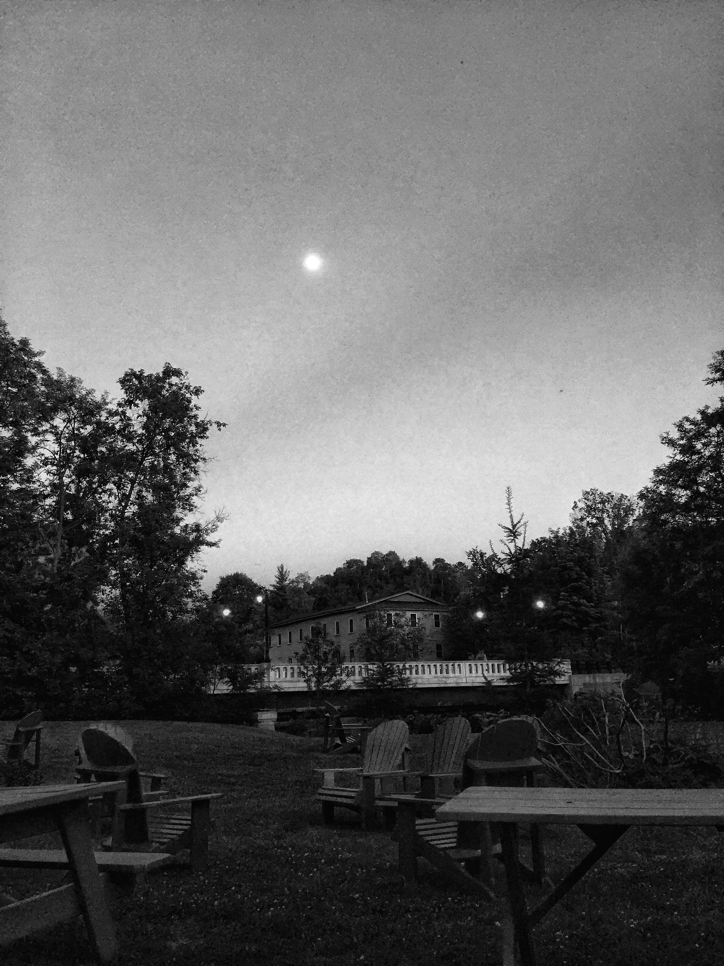 Moon View from Kahn VT.jpg