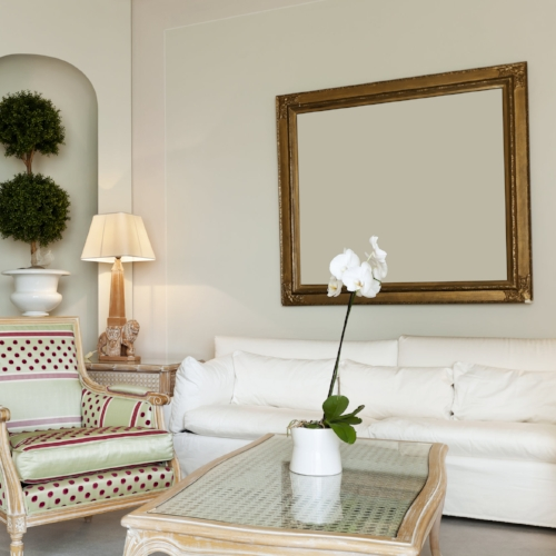Get EXPERT ADVICE ON SELECTING A CusTOM OR READY-MADE MiRROR