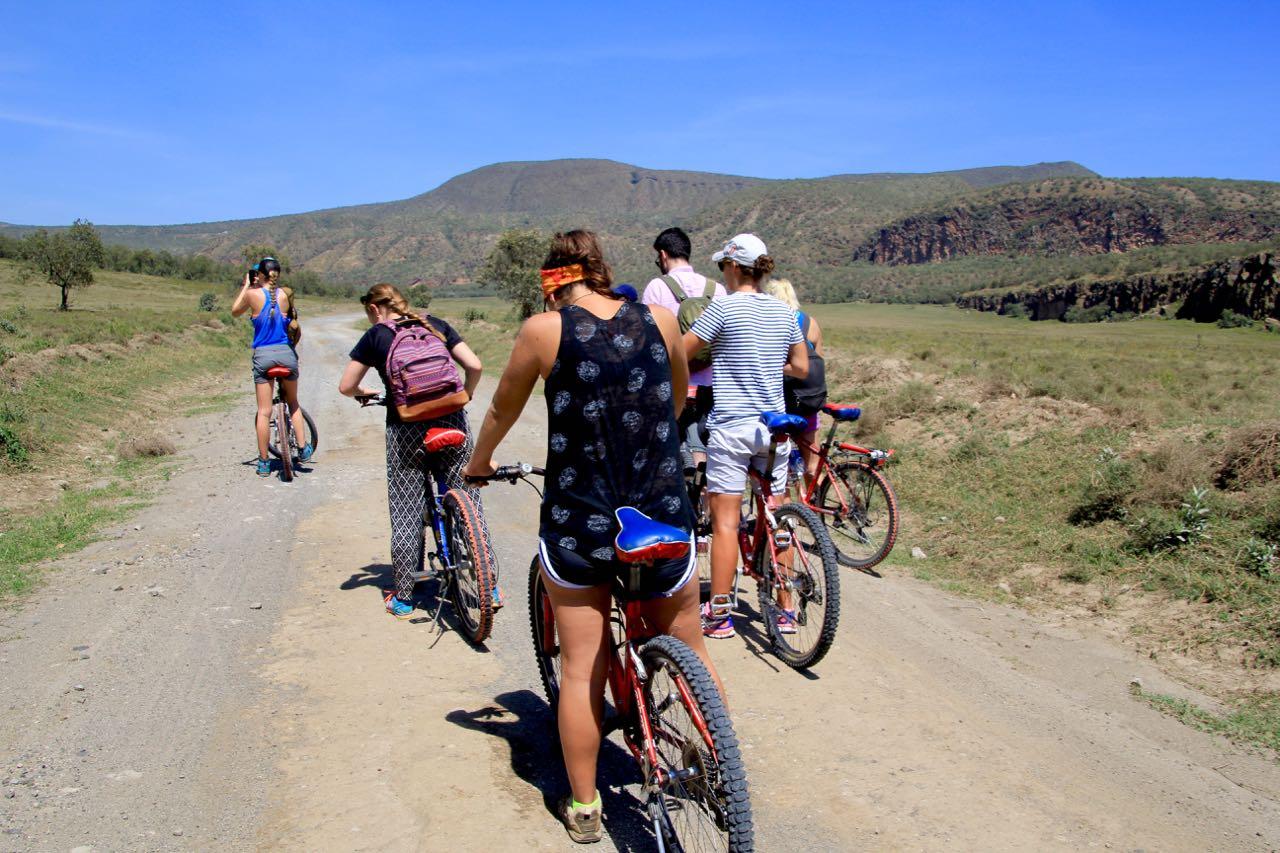 Cycling through Hells Gate