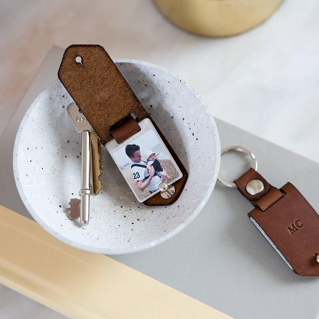 original_personalised-metal-photo-keyring-with-leather-case.jpg