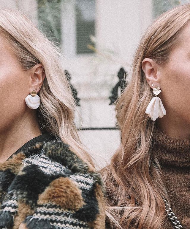 The girls from @whenwordsfail_ all rugged up and wearing the Element and Flower Art Earrings, reminding us that cooler months are coming to Melbourne (noooo...) 🌬❄️