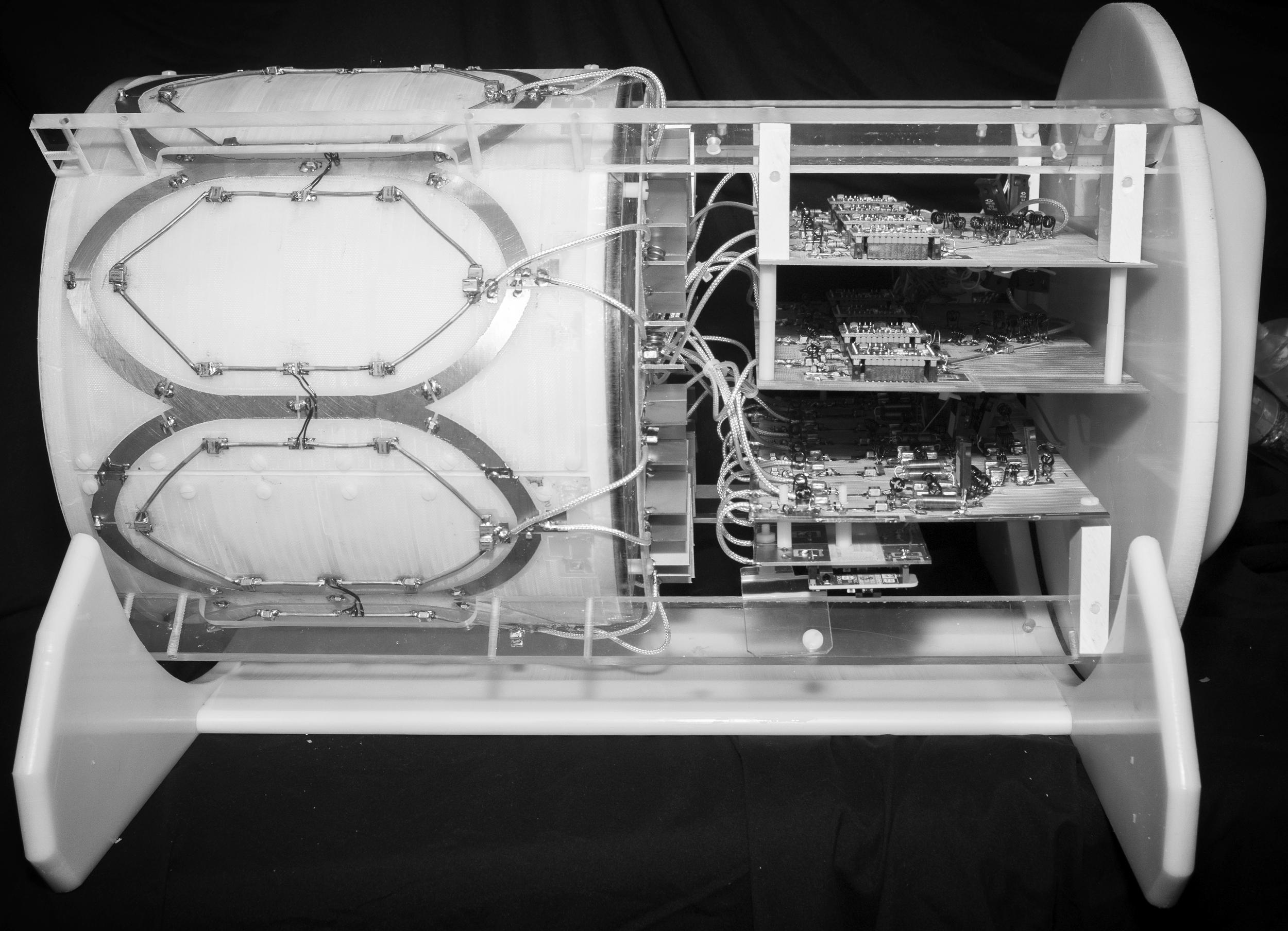 Phosphorus / Proton Array for 7 Tesla Brain MRI