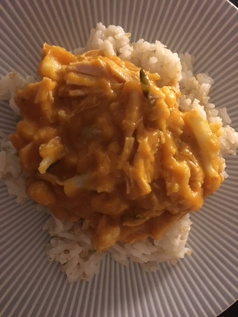 Cauliflower rice with sweet potato sauce with chicken
