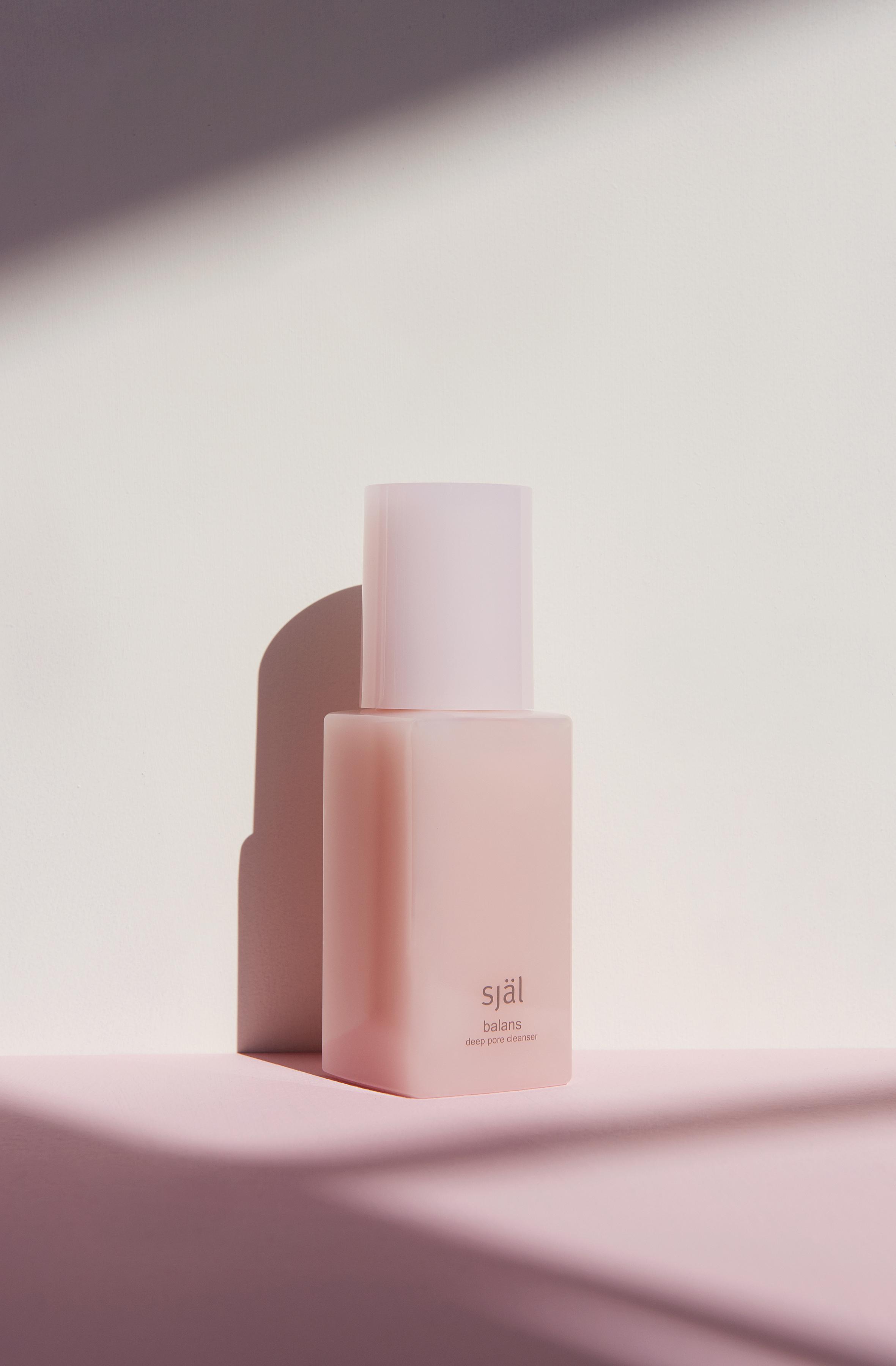 180927_Perfume_Shadows_061_RT_WEB.jpg