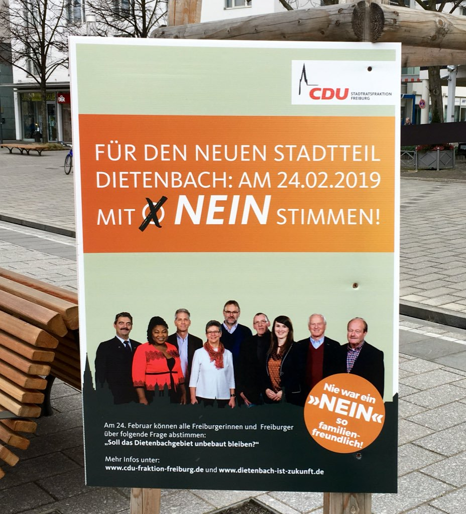 "A pro-housing poster bearing the slogan ""Never was a 'no' so family-friendly!""   (Photo:    Sebastian Müller   )"