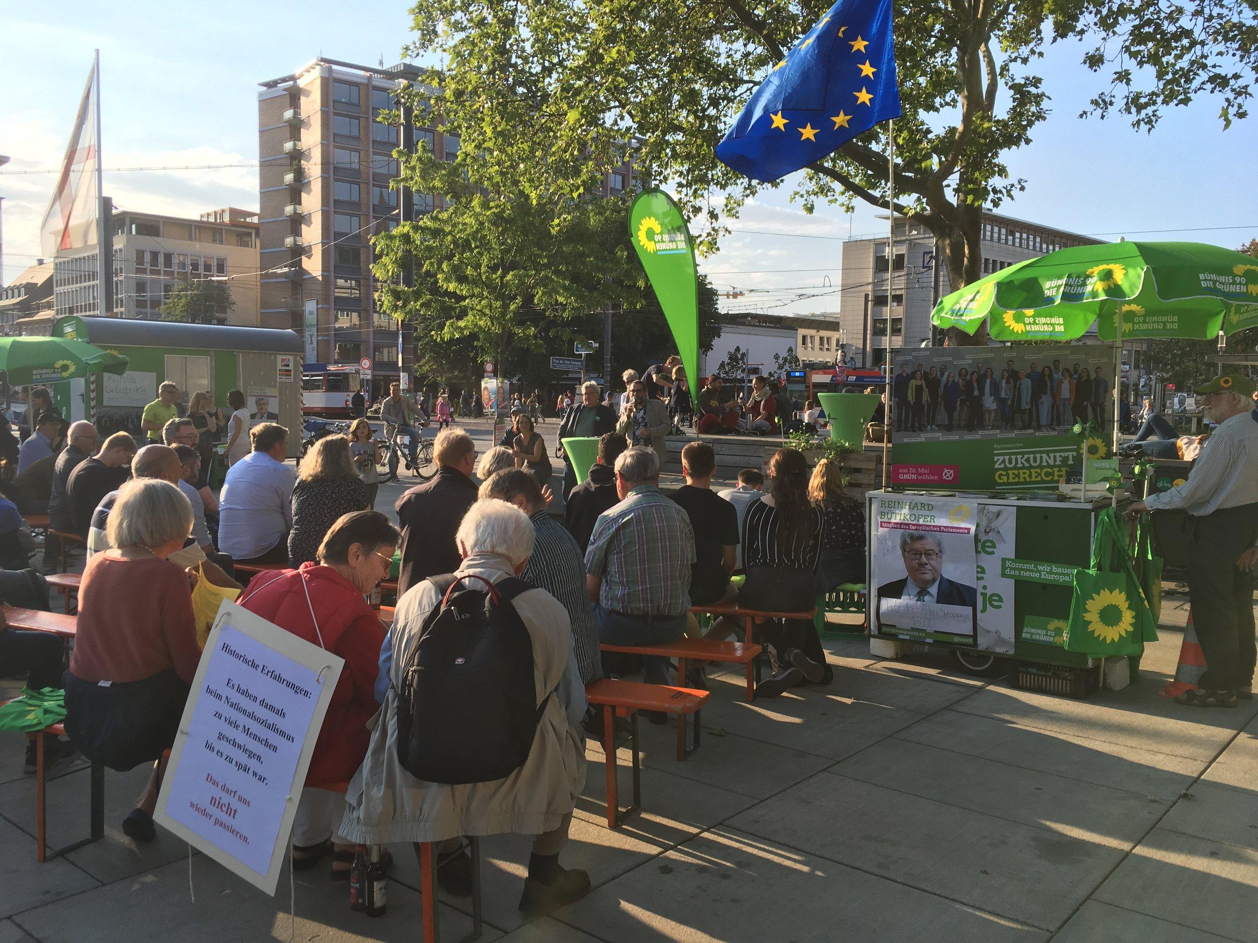 European Parliament member Reinhard Bütikofer speaks in Freiburg about green initiatives. ( Photo: Brendan Reilly)