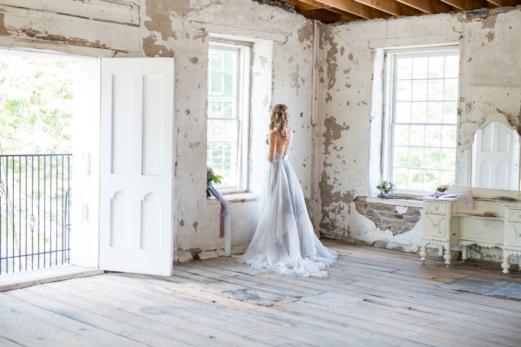 Nick-Natasha-Studio-Styled-Wedding-Sinclair-of-Skaneateles-NY-972.jpg