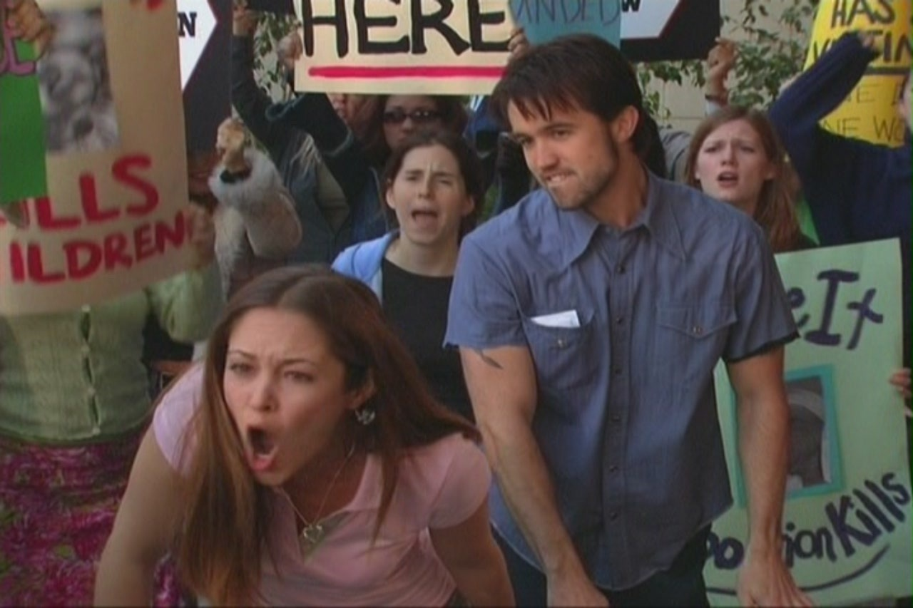 -A scene from the FX sitcom It's Always Sunny in Philadelphia, episode: 'Charlie Wants an Abortion' (2005)  -BUT WHICH SIDE IS SHE SCREAMING AT!?!?!?!?